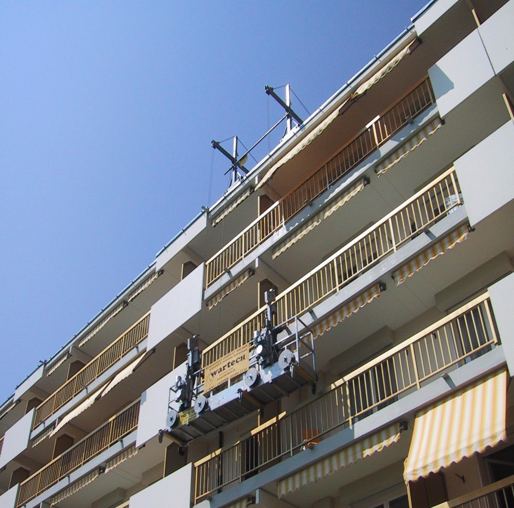 Nacelle suspendue à câbles pour balcon